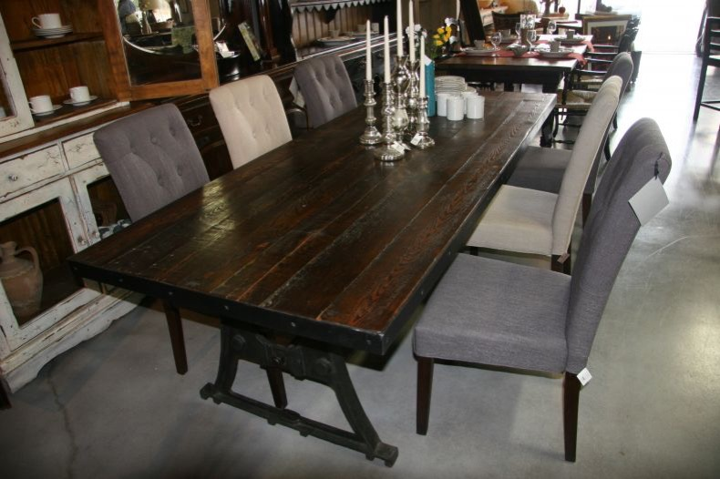 Reclaimed wood dining room furniture reclaimed wood for Dining room equipment